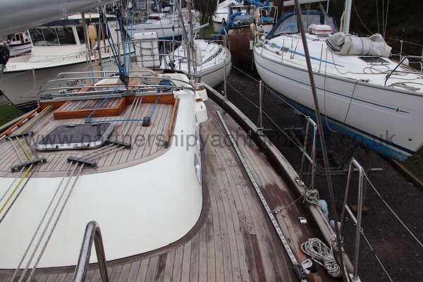 Classic Classic 45  Port side deck - looking aft