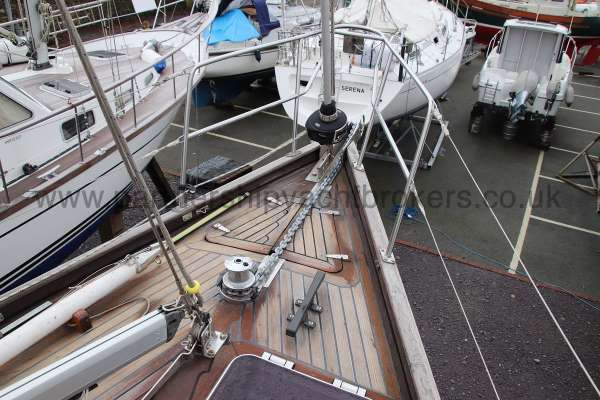 Classic Classic 45  Fore deck detail -