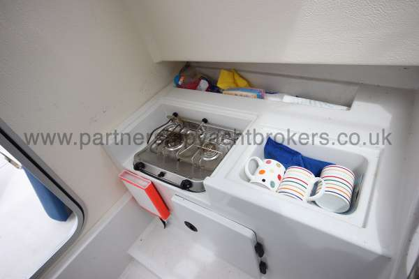 Orkney Pilot House 20 Orkney Pilot house 20 The compact galley -