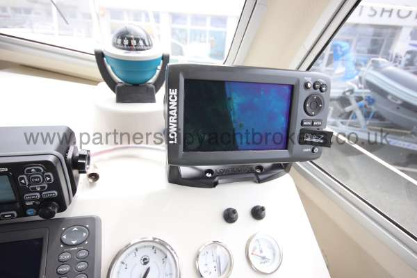 Orkney Pilot House 20 Orkney Pilot house 20 Compass and instruments -