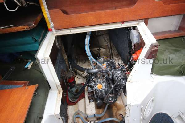 Snapdragon 747 engine compartment -