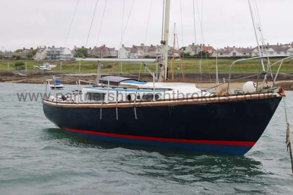 Macwester 27 Afloat - starboard bow