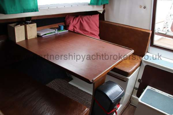 Macwester 27 Saloon table - converts to a double berth