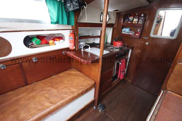 Macwester 27 Saloon view - port side