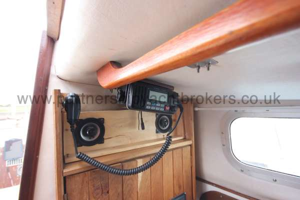 Macwester 27 Saloon port side - showing the VHF position