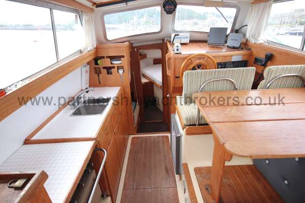 Westerly Konsort Duo The deck saloon - galley to poprt
