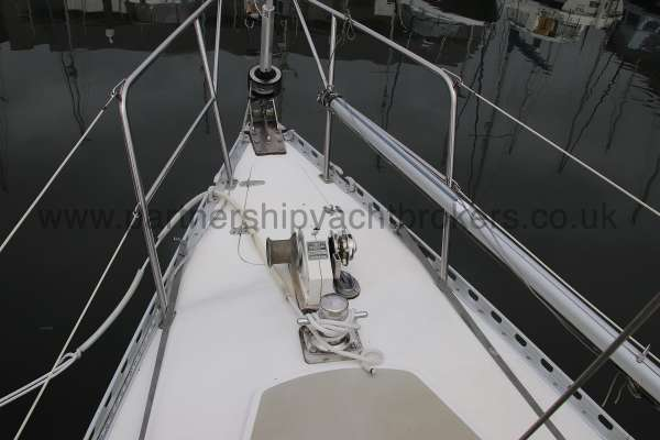 Sadler Phoenix 27 Fore deck view -