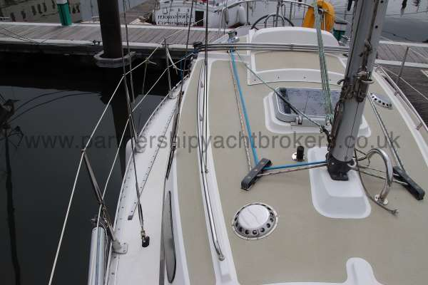 Sadler Phoenix 27 Starboard side deck - looking aft