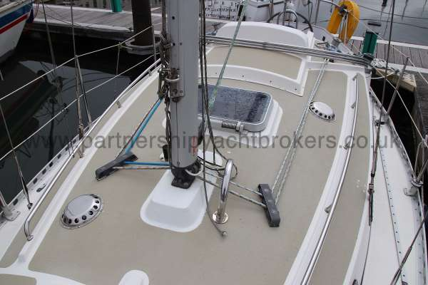Sadler Phoenix 27 Deck view - note the second deck hatch