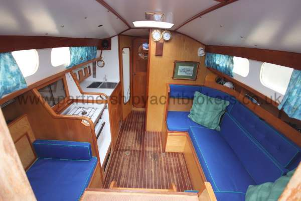 Sadler Phoenix 27 The saloon -