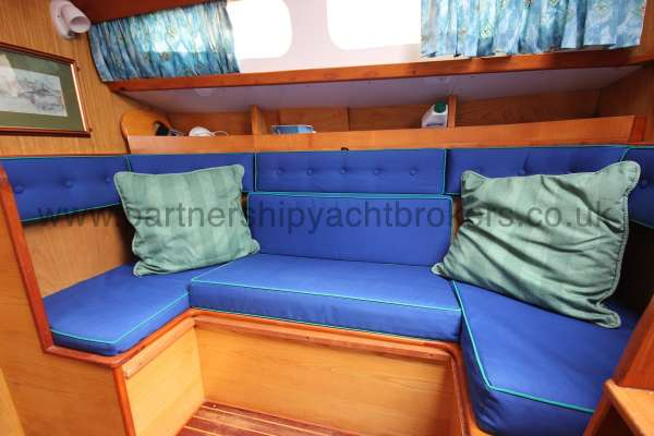 Sadler Phoenix 27 The starboard settee -