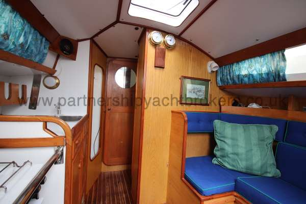 Sadler Phoenix 27 Saloon view - looking forward