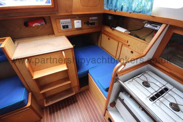 Sadler Phoenix 27 Saloon view - looking aft