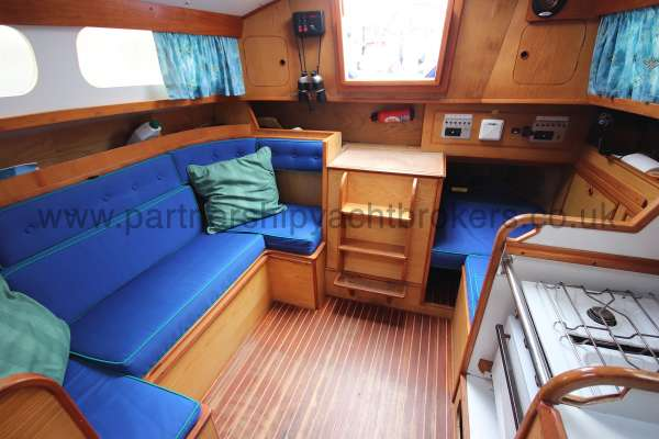 Sadler Phoenix 27 Saloon view - from forward