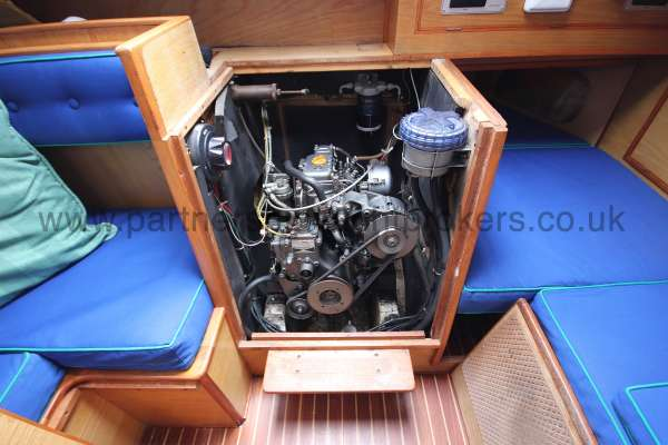Sadler Phoenix 27 The engine - very good access