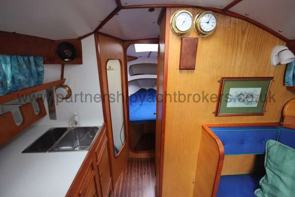 Sadler Phoenix 27 Saloon view -
