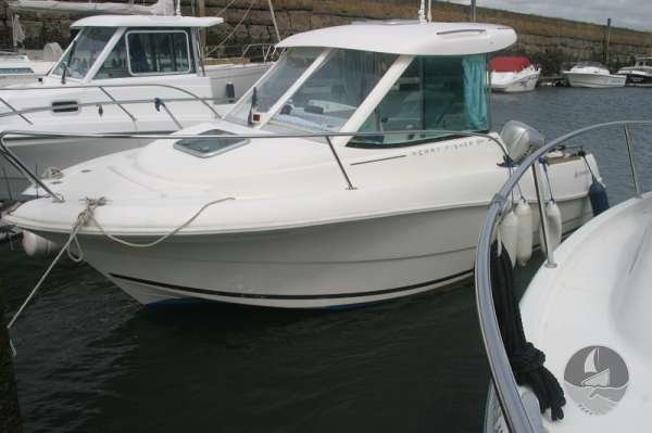 Jeanneau Merry Fisher 585 On her marina berth -
