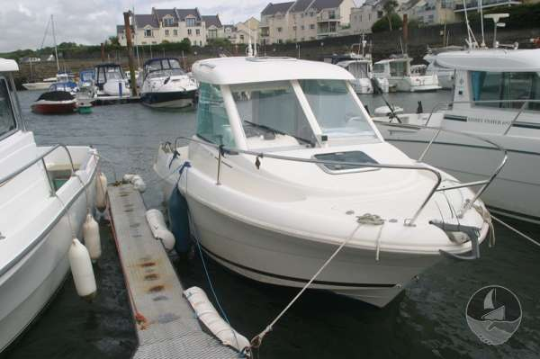 Jeanneau Merry Fisher 585 Starboard view -