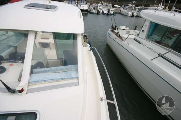 Jeanneau Merry Fisher 585 Port side deck looking aft -