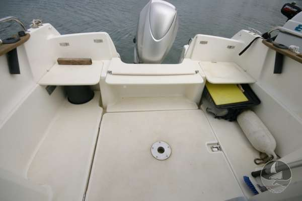 Jeanneau Merry Fisher 585 The after deck -
