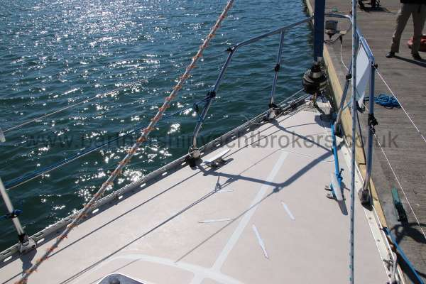 Sigma 33 Fore deck view -