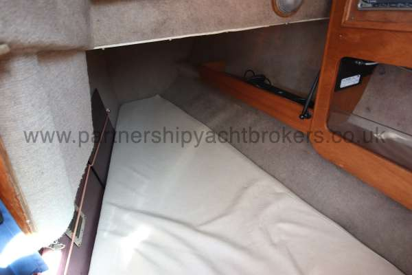Sigma 33 Inside the quarter berth -