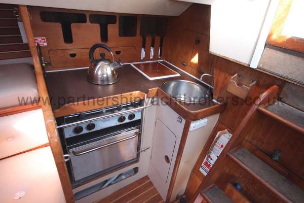 Sigma 33 The galley - starboard side aft