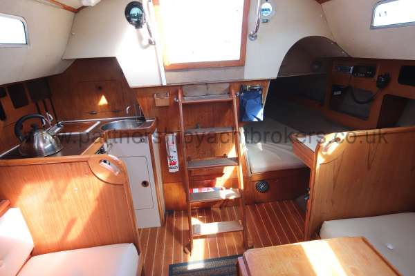 Sigma 33 Saloon view - looking aft
