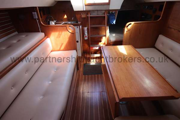 Sigma 33 The saloon  - looking aft