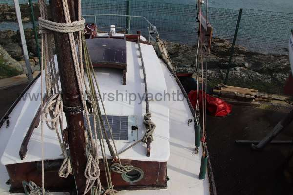 Hillyard Four ton Port side deck view - looking aft