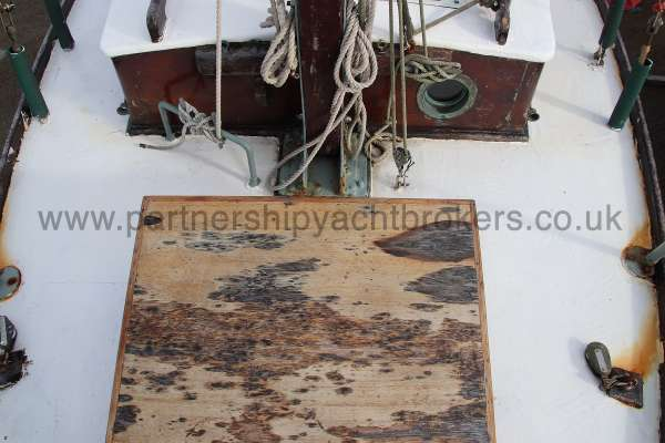 Hillyard Four ton The fore hatch -