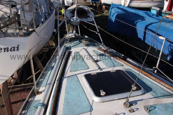 Scampi 30 the fore deck -