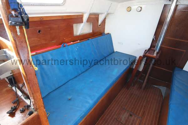Scampi 30 The port settee berth -