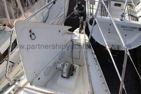 Moody 35 Anchor windlass - hatch open