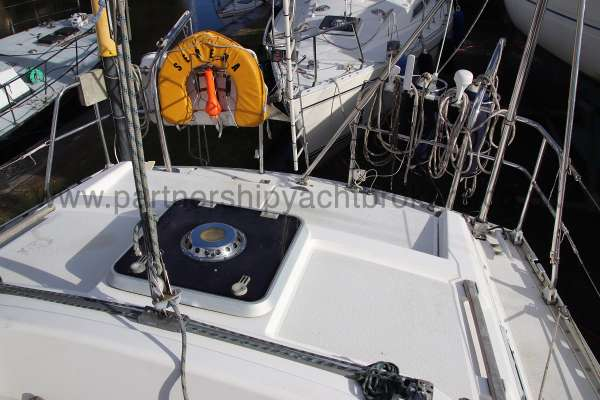 Moody 35 After deck - and mainsheet traveller