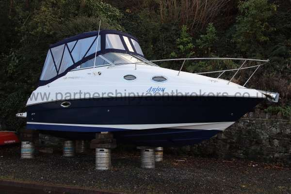 Regal 2465 Commodore Ashore - starboard side view