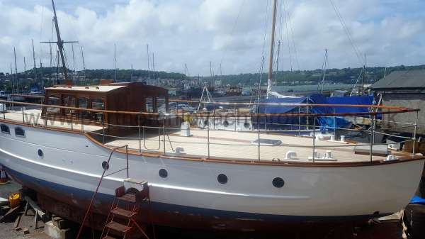 Wooden Classic Motor Yacht Twin Engine for sale