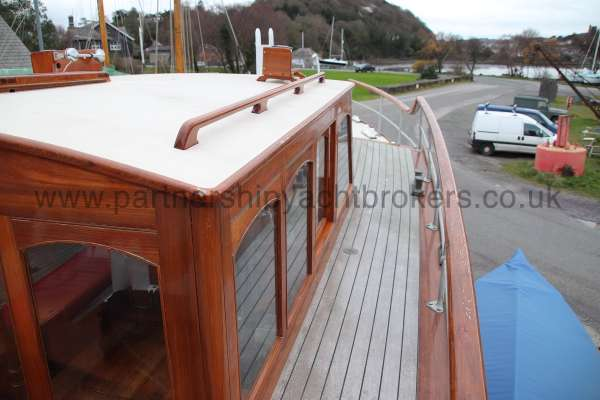 Wooden Classic Motor Yacht Twin Engine Starboard side deck -