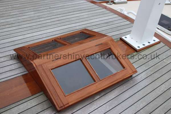 Wooden Classic Motor Yacht Twin Engine The saloon skylight -