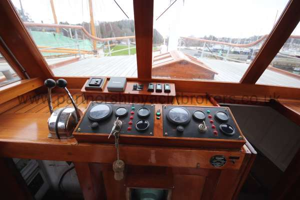 Wooden Classic Motor Yacht Twin Engine The twin engine controls - from the after companionway