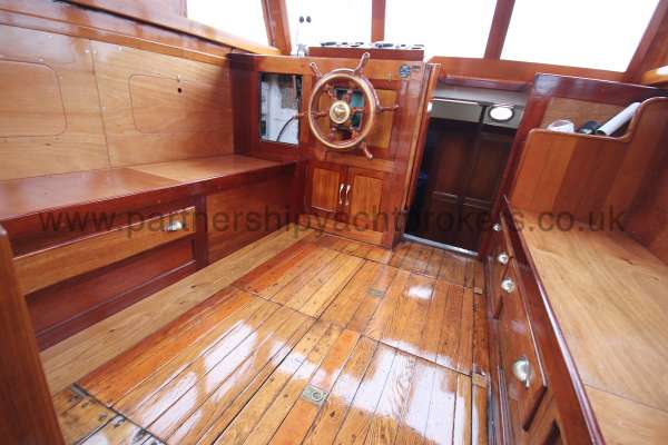 Wooden Classic Motor Yacht Twin Engine The wheelhouse - port side