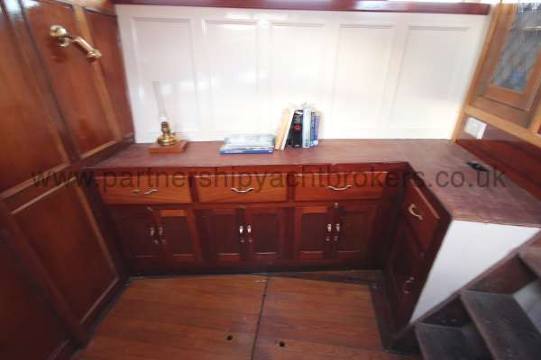 Wooden Classic Motor Yacht Twin Engine Saloon detail - Starboard side