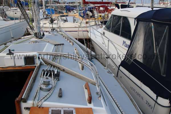 Westerly Fulmar Starboard side deck -