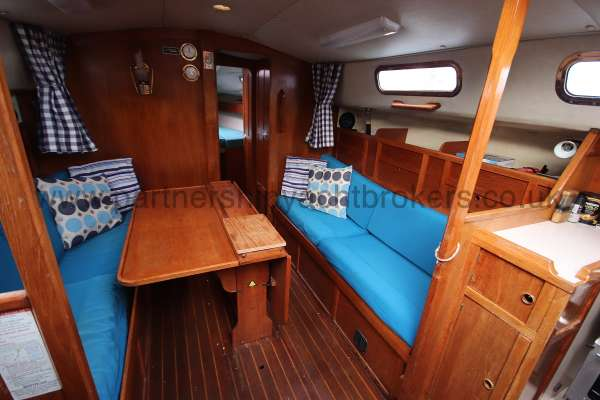 Westerly Fulmar The starboard settee -