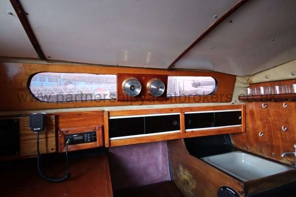 Achilles 24 Saloon port side -