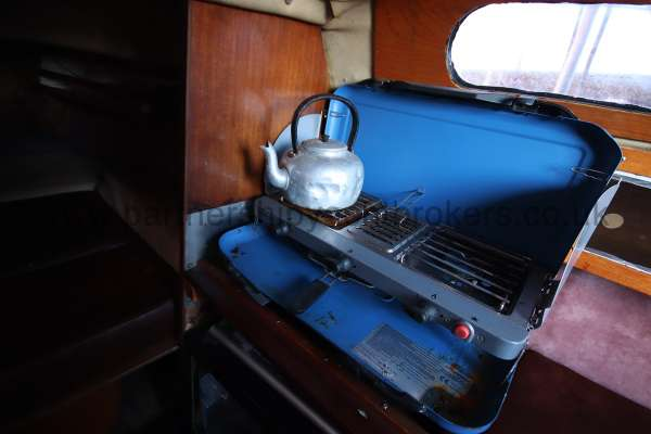 Achilles 24 The galley stove - on the starboard side