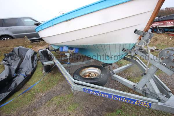 Loch Broom Post Boat A good trailer -