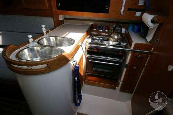 Hunter Channel 32 Galley detail -
