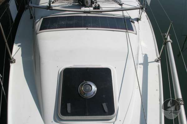 Hunter Channel 32 The fore hatch -