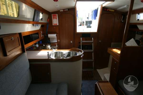 Hunter Channel 32 Saloon view loking aft -